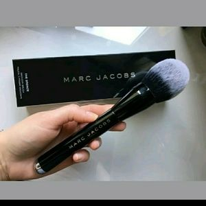 $78 Marc Jacobs THE BRONZER BRUSH #12